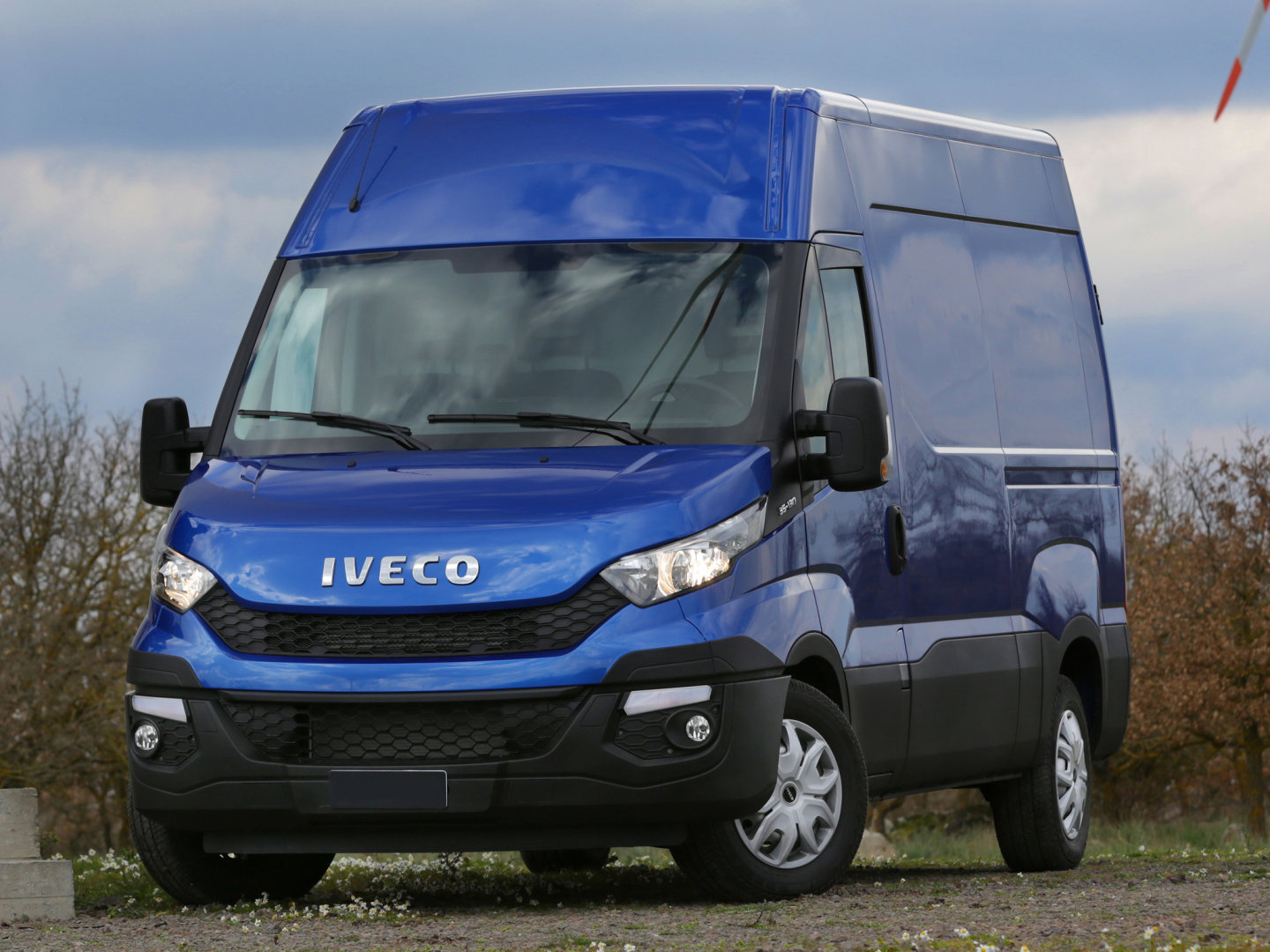 Iveco_Daily_Van Commercial_2014