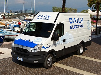 iveco_daily_van-commercial_2012